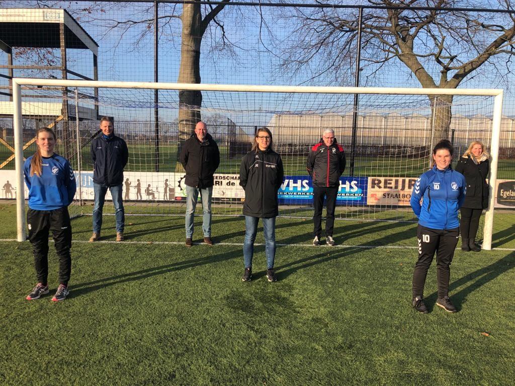 Één commissie voor het Vrouwenvoetbal ST Someren / NWC Asten.