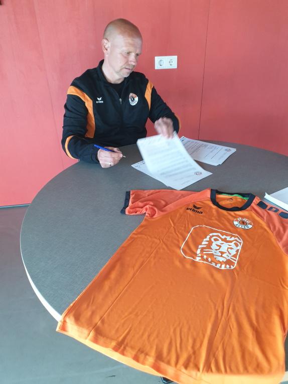 Contract getekend met Ruud Vermeer