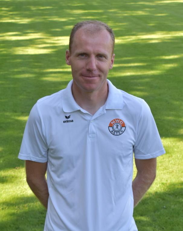 Zondag officieel afscheid van oud trainer Roel Nabuurs